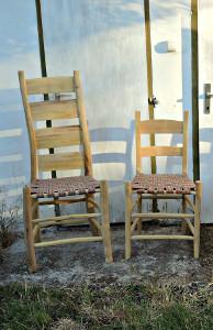 zwei Grünholzstühle