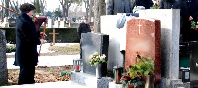 Sackpfeifer auf dem Zentralfriedhof