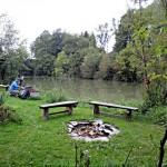 Lake Caddo Boot an den Stiftsteichen bauen