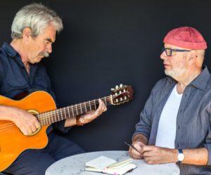 Der Jazz Gitarrist Benno Burkhart begleitet Michael Bauer bei bitterernst.at